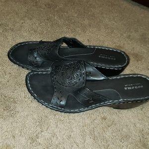 Sonoma black sandals size 10